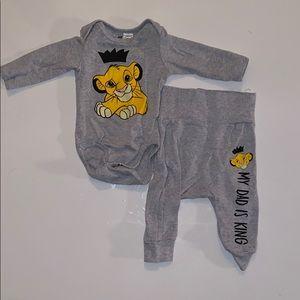 H&M Infant Lion King Set Size 2-4months